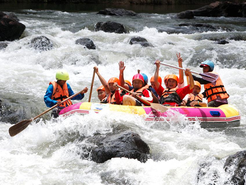 ล่องแก่ง ( Rafting )
